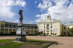 Pavlovsk courtyard